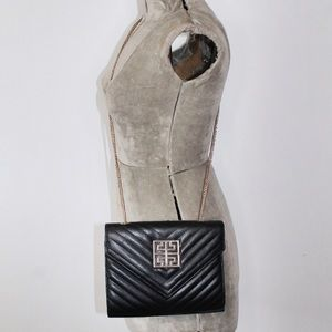 Black Quilted Crossbody Purse Bag Gold Chain